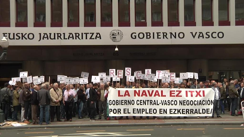 La Naval-eko langileek protestekin jarraitu dute, Eusko Jaurlaritzari erantzunkizunak eta neurriak hartzeko eskatuz