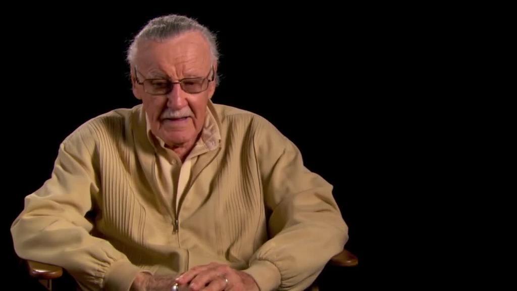 Stan Lee hil da, Marvel-eko superheroi oinazetsu, anitz eta miresgarrien sortzailea