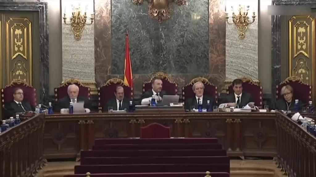 Tentsioa nagusi Kataluniako buruzagi independentisten aurkako epaiketaren laugarren egunean
