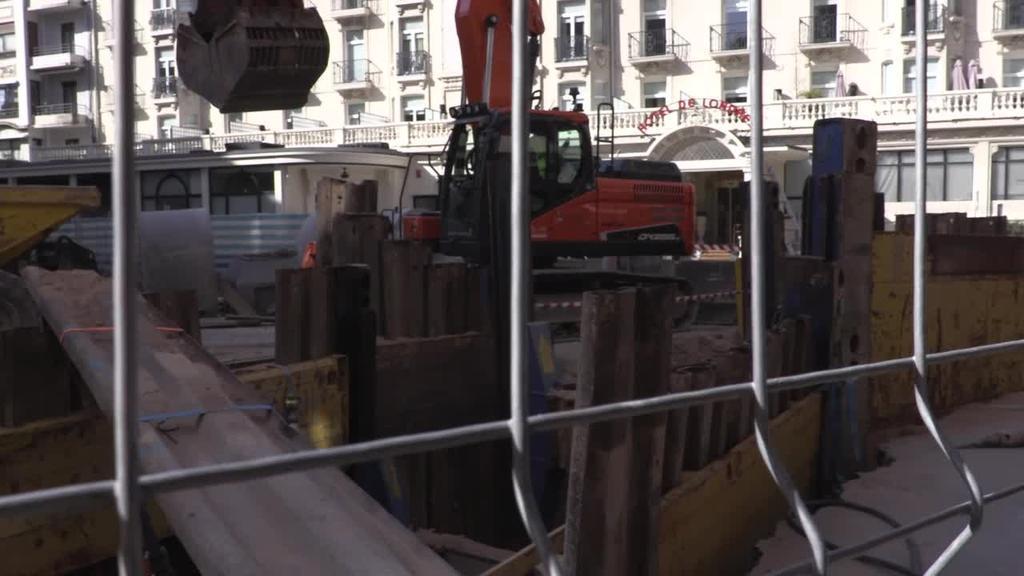 Pitzadurak, Donostiako metroaren lanen alboko eraikin batean