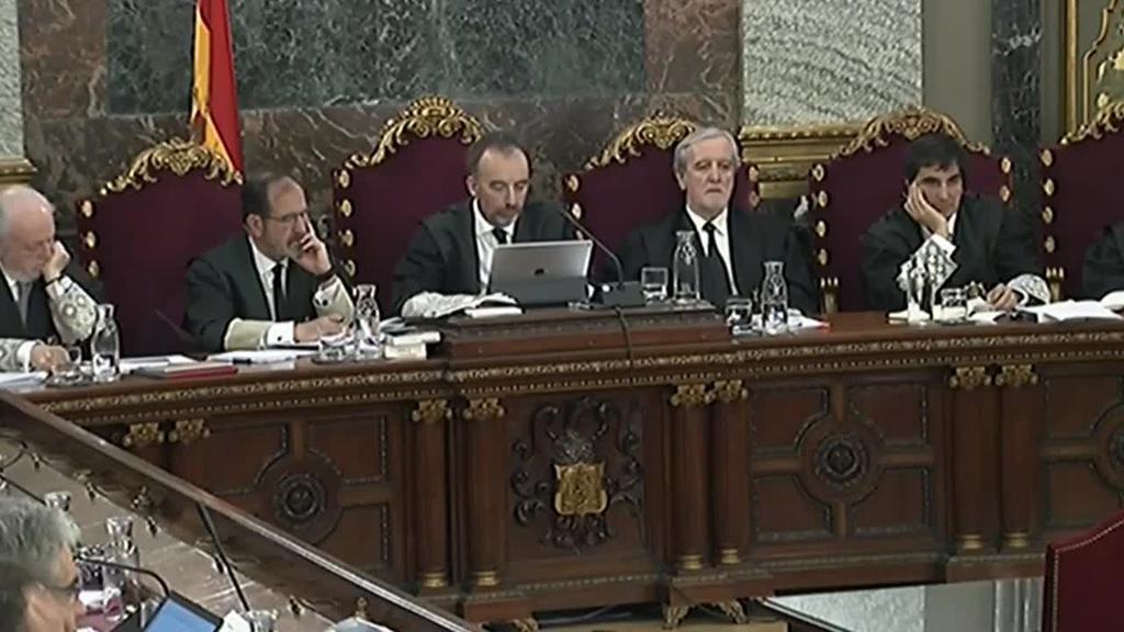 Guardia Zibila Catalunyako parlamentera sartu da