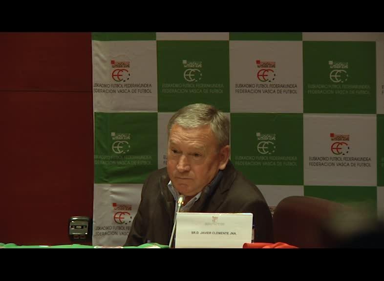 Javier Clementek Panamaren aurka egingo du debuta eta euskal jokalaririk onenak eraman nahi ditu bertara
