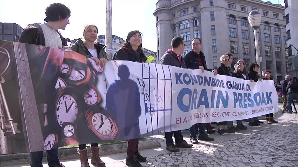 Preso politikoen eskubideak aldarrikatu dituzte sindikatuek Bilbon