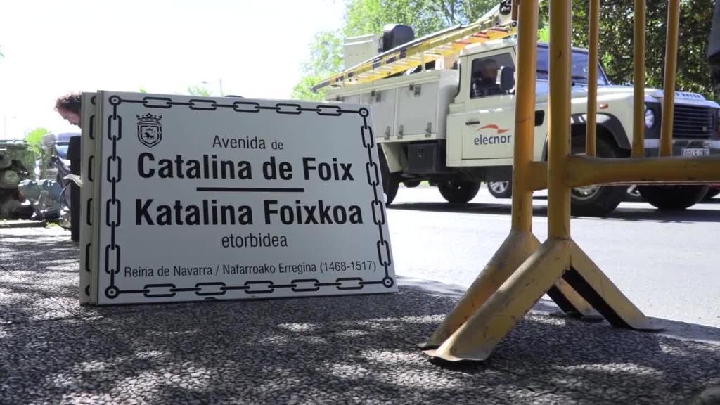 Navarra Suma alderdiak Espainiako Ejerzitoari itzuli dio Katalina Foixkoaren hiribidearen izena