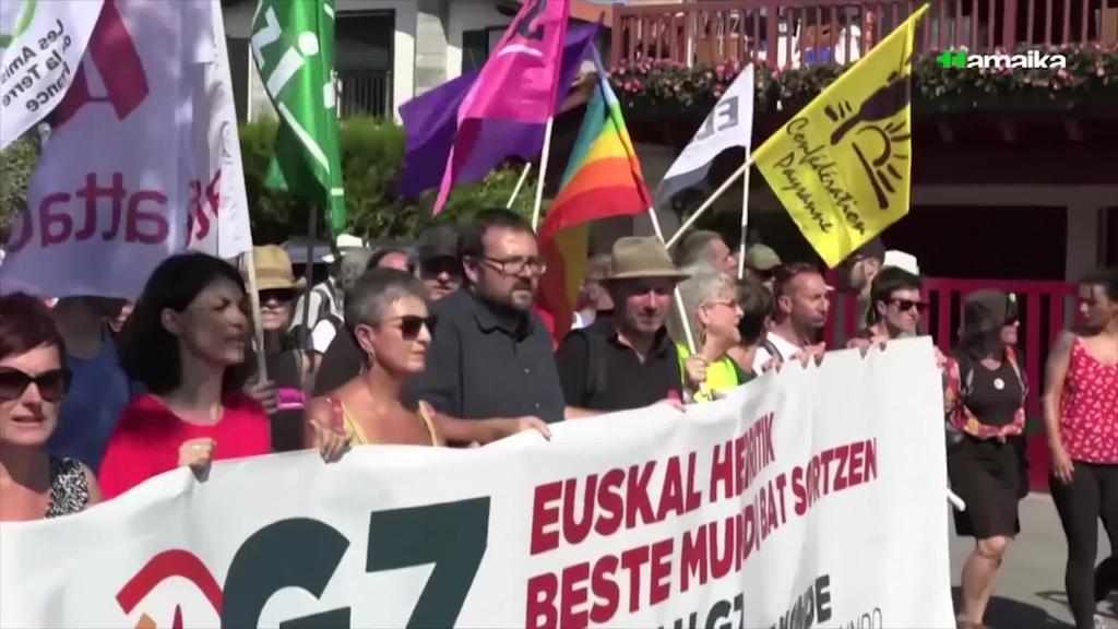 G7 gailurraren aurkako protestetan atxilotutako 12 lagun epaitu dituzte