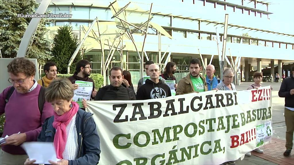 Zero Zabor Bizkaia plataformak lurraldeko hondakinen kudeaketa
