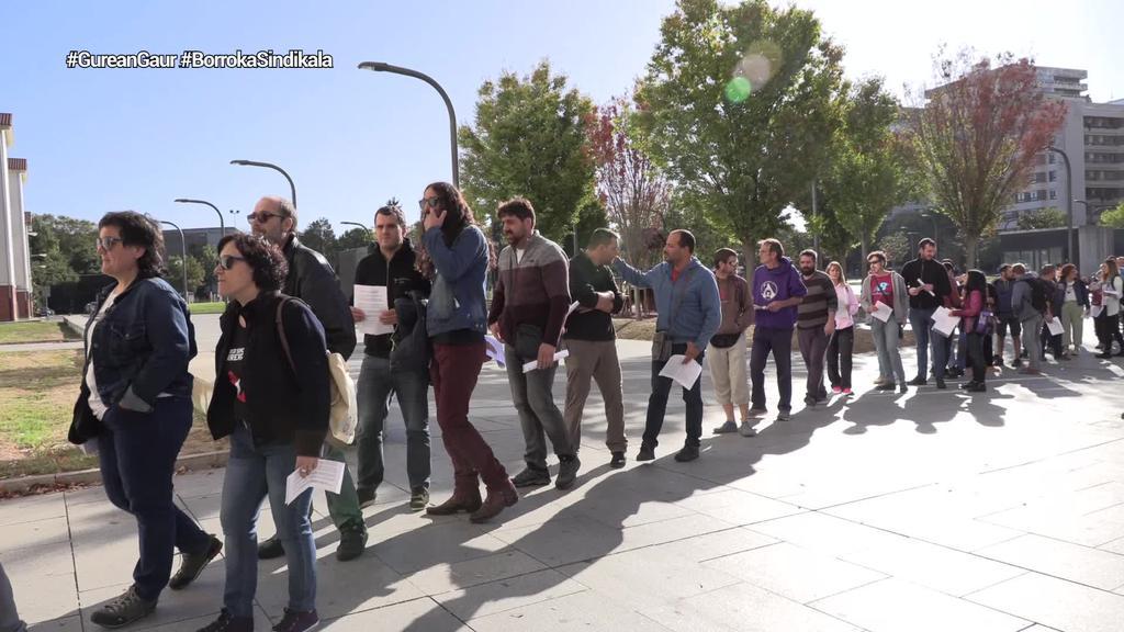 LAB sindikatuko eta hainbat eragiletako kideek autoinkulpazio idatzia erregistratu dute Iruñeko auzitegian