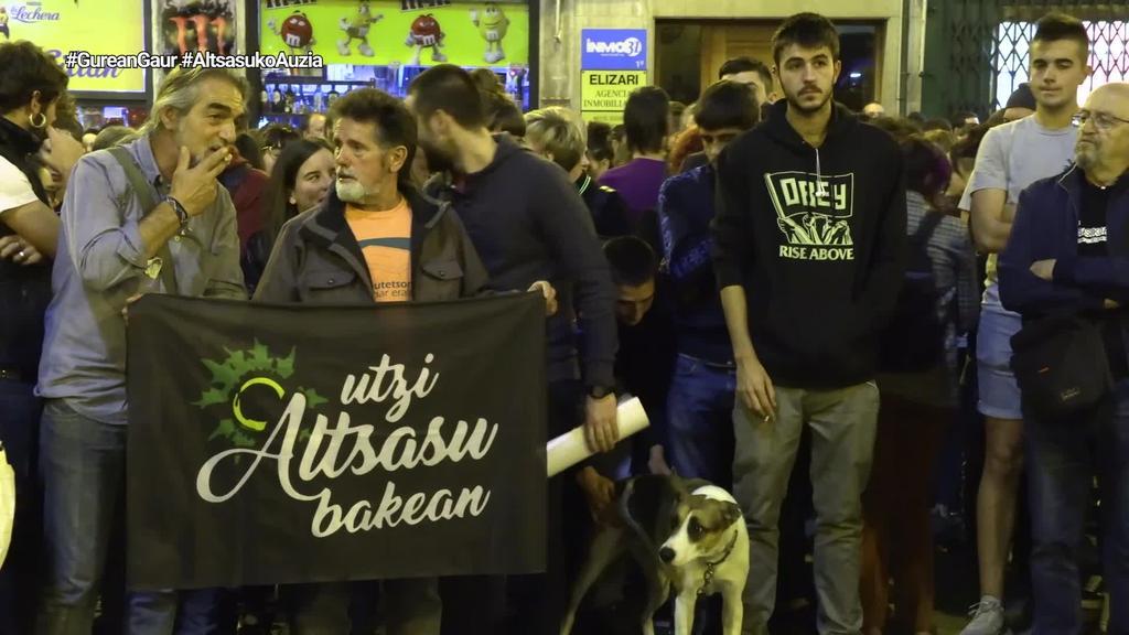 Altsasuko gazteen aldeko manifestazio jendetsua burutu da Iruñean