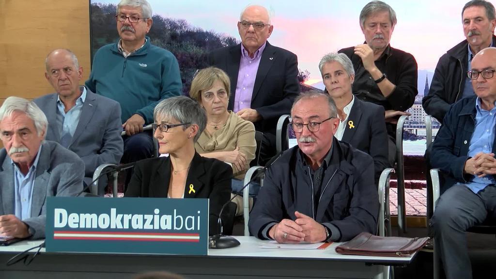 Katalunian kondenatuak izan diren politikoentzat amnistia eskatu du Demokrazia Bai plataformak
