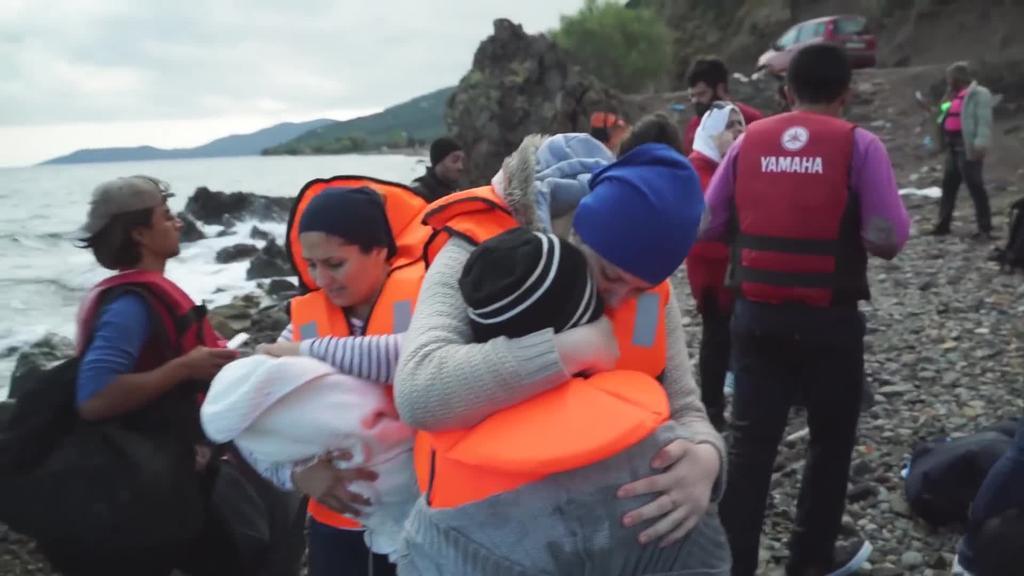 Migratzaile eta errefuxiatuen aurka bere burua gotortzen jarraitzen du Europak