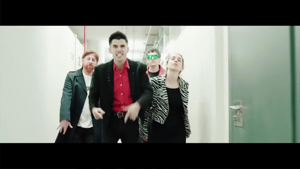 Zazkel eta Aizkora Zorroztu taldeek 'Ezpatadantza' diskoa aurkeztu dute