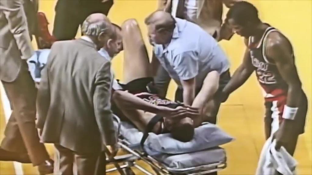 Sam Bowie Michael Jordanen aurretik, NBAko Draft-aren historiako akatsik nabarmena