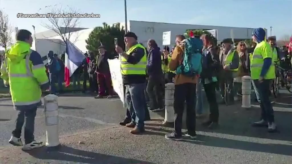 Ipar Euskal Herria ere batu da grebara Macronen erreformaren aurka protesta egiteko