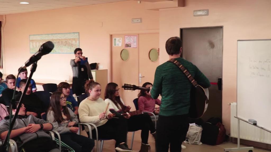 Musikariak ikastetxeetan: Iker Lauroba