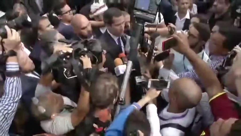 Juan Guaidok bigarrenez izendatu du bere burua Venezuelako presidente