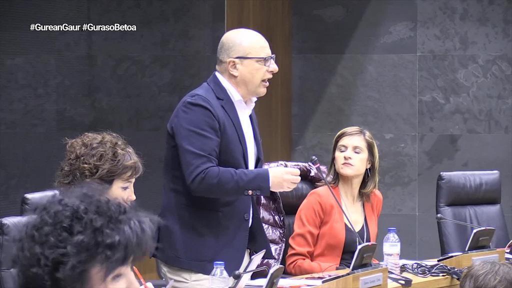 Nafarroako Gobernuak 'gurasoen betoa' gaitzesteko adierazpena onartu du