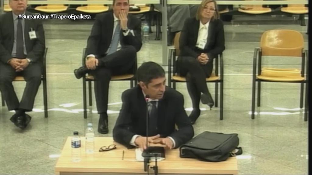 Puigdemont atxilotzeko prest zegoela adierazi du Traperok