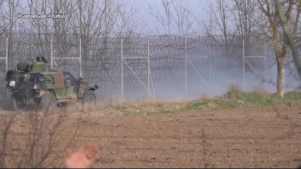 Greziak eta Hungariak asilo eskubidea bertan behera utzi dute