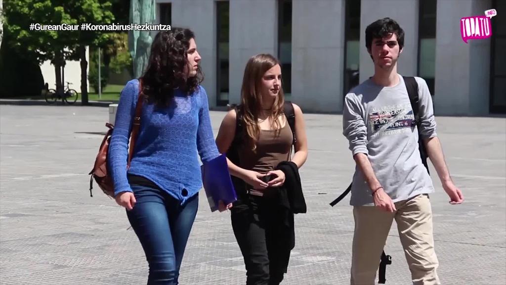 Hezkuntza egutegia moldatu eta selektibitatea atzeratu du Espainiako Hezkuntza ministerioak