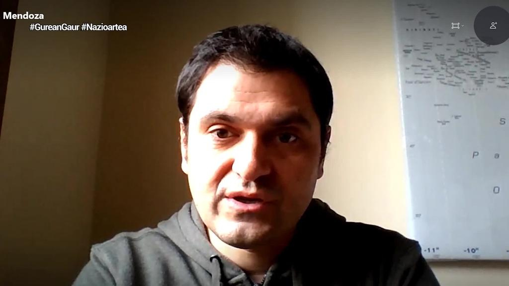 """Asier Blas (Politologoa): """"Txina munduko lehenengo potentzia izango bada, koronabirusaren krisia izango da momentu fundatzailea"""""""
