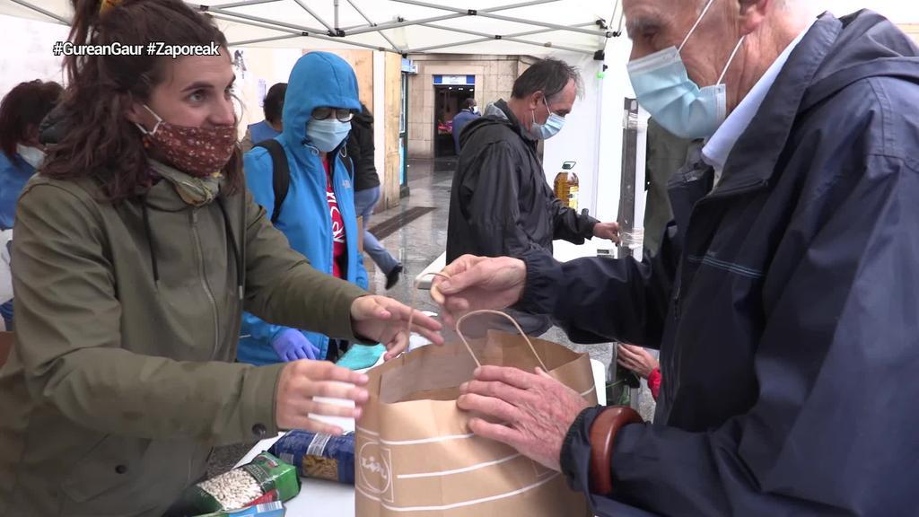 Zaporeakek larrialdi janari bilketa antolatu du Euskal Herri osoan