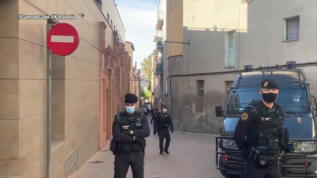 Guardia Zibilak prozesu subiranistaren finantzaketaren aurkako polizia-operazioa abiarazi du
