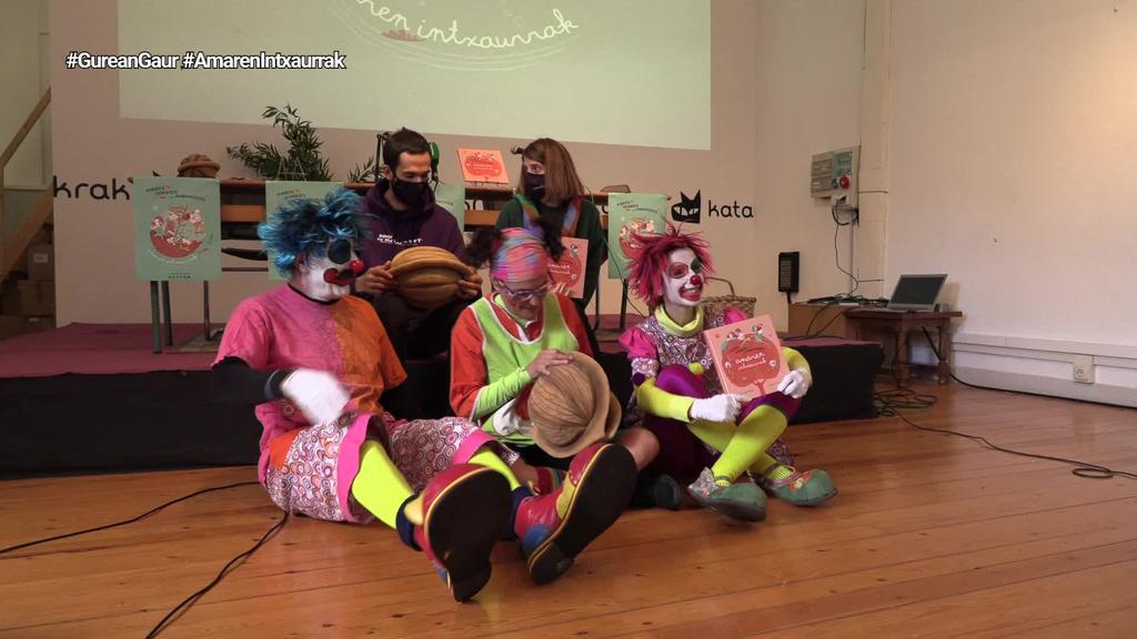Pirritx, Porrotx eta Marimototxek heriotza jorratu dute 'Amaren Intxaurrak' lanean