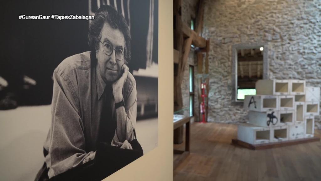 Antoni Tàpies artista katalana omentzeko erakusketa ireki du Chillida Leku museoak
