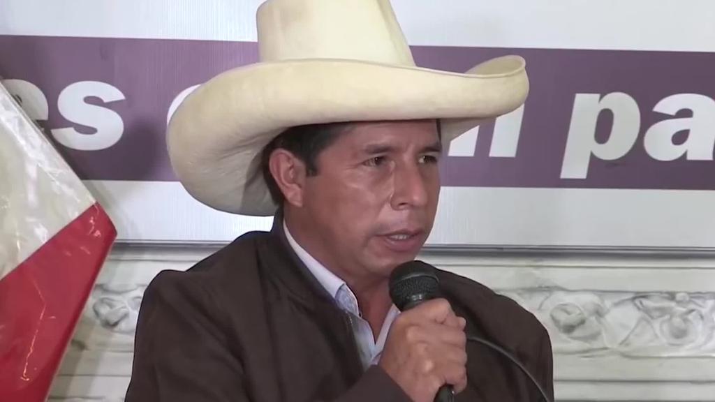 Castilloren garaipena berretsi du Perun hauteskunde akten behin betiko zenbaketak