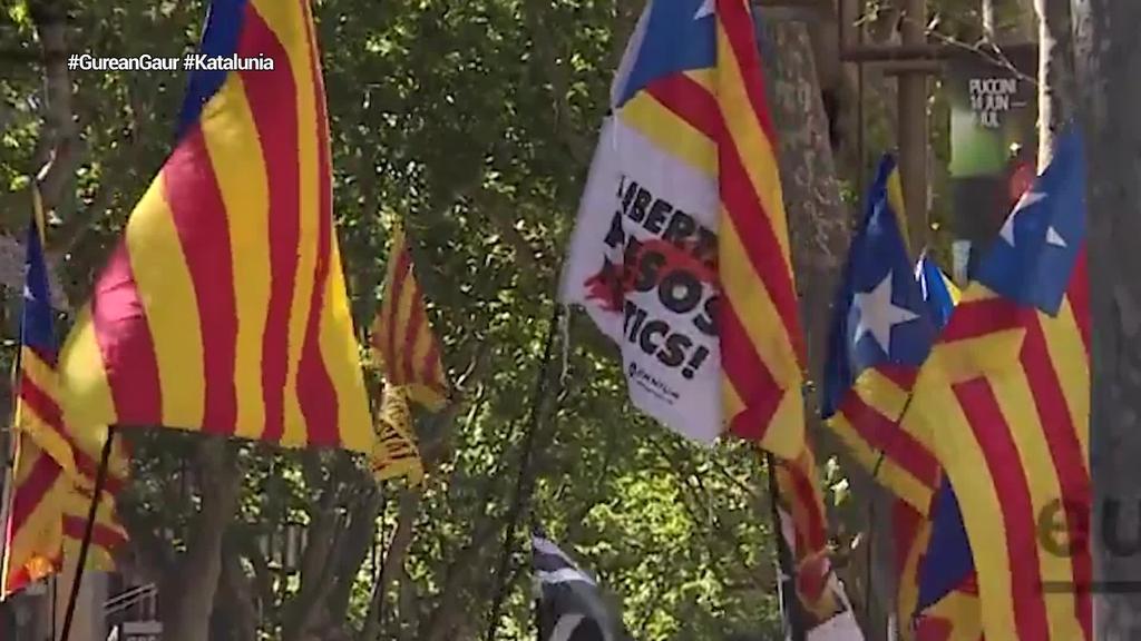 Kataluniako bederatzi buruzagi independentisten indultuak onartu ditu Espainiako Gobernuak