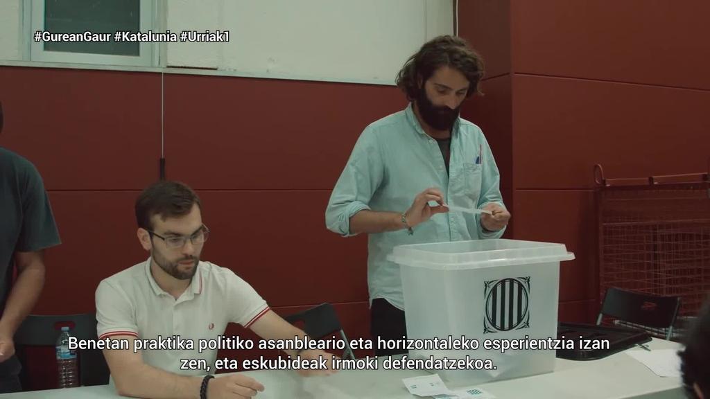 Gaur duela lau urte gauzatu zuten Kataluniako autodeterminazio erreferenduma