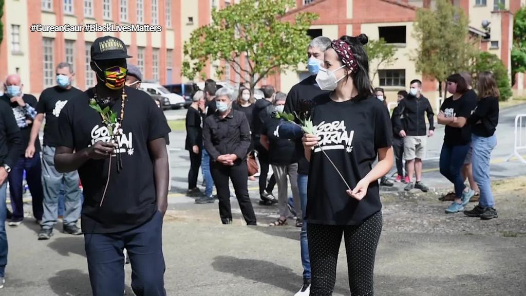 Bost urte bete dira Espainiako Poliziaren zaintzapean Elhadji Ndiaye zendu zenetik